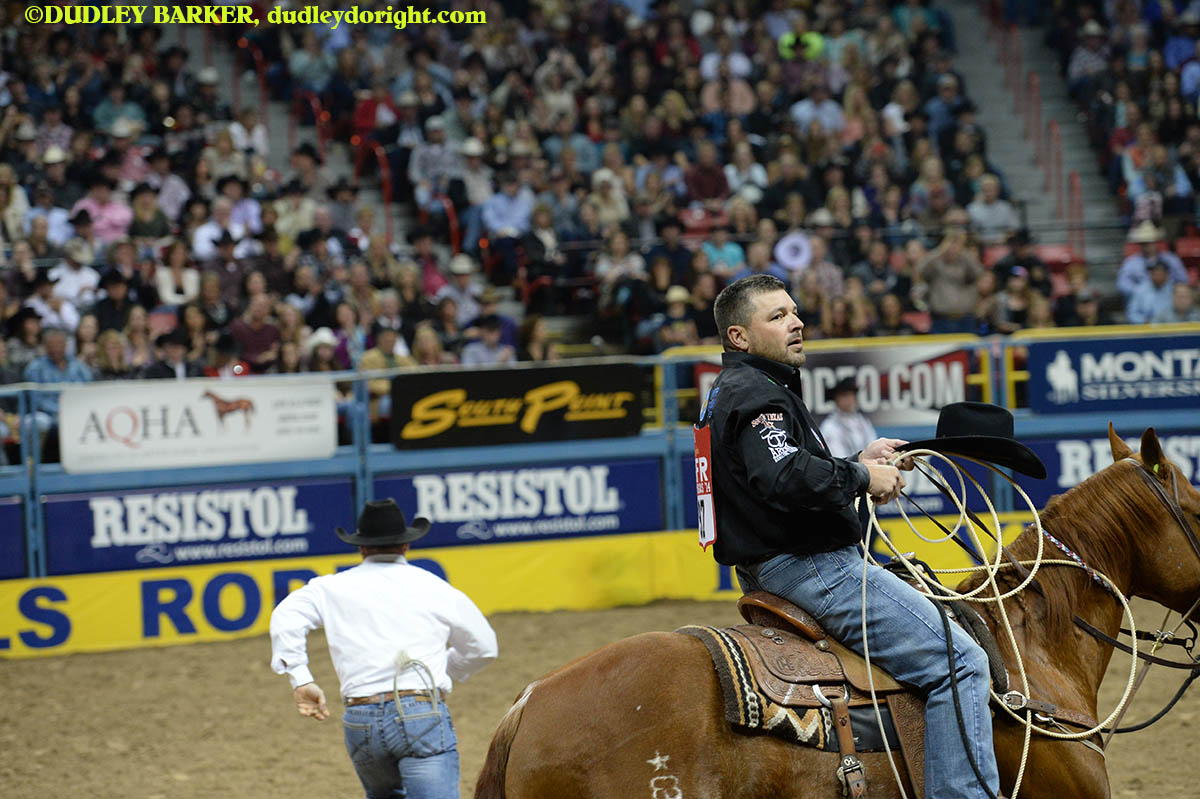 Cody Ohl, round three, 2014 WNFR, Dec. 6, 2014 || Photo by DUDLEY BARKER, dudleydoright.com
